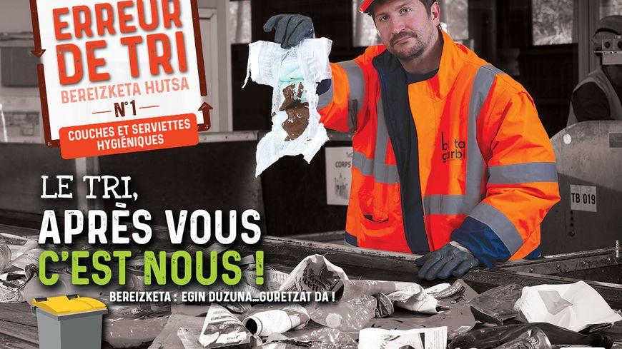"""Une des 10 affiches """"choc"""" de la campagne de Bil Ta Garbi pour en finir avec les """"horreurs de tri""""."""