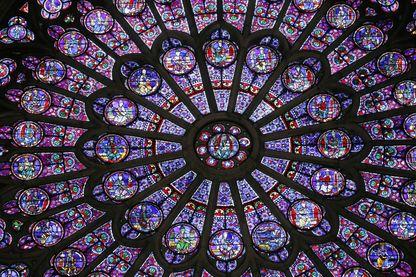 La Rosace Nord de Notre-Dame, symbole d'une cathédrale à redresser ...