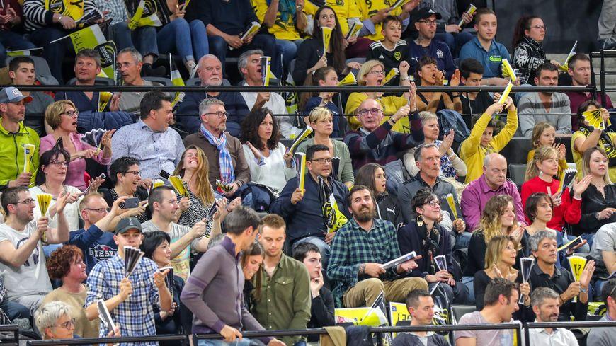 Les supporters en jaune et noir (ici au Phare de Chambéry) veulent être présents en masse à Paris