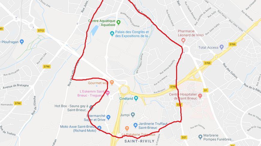 Le préfet a pris un arrêté portant interdiction de manifestation sur la voie publique à Saint-Brieuc dans cette zone rouge