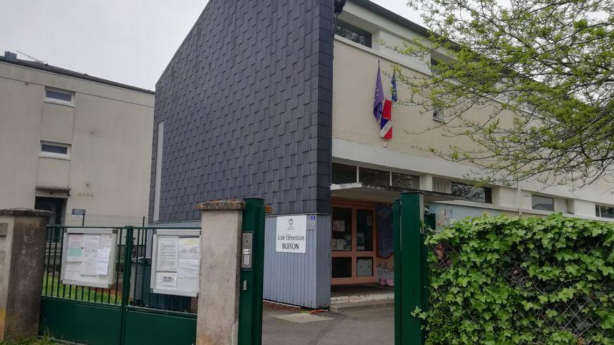 L'école Buffon à Châteauroux est classée REP + (Réseau d'Education Prioritaire).