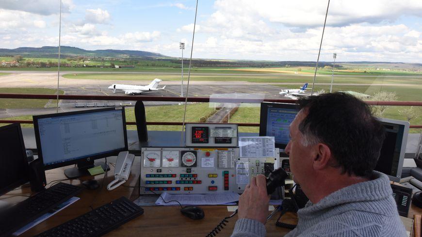 Tour de contrôle de l'aéroport d'Epinal-Mirecourt