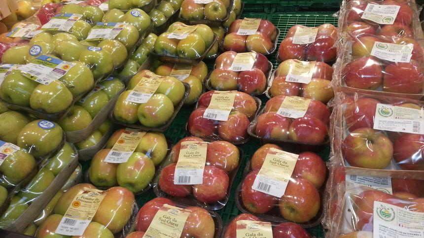 La grande surface pourrait étendre le vrac à l'ensemble des fruits et légumes.
