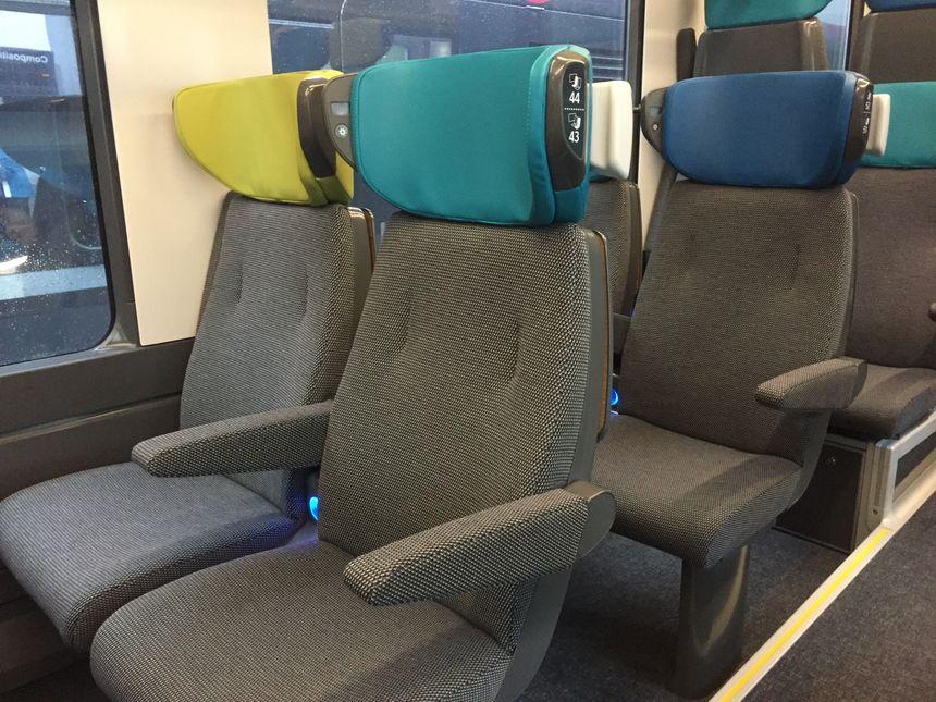 Les fauteuils de la 2nde classe dans les futures rames de l'Intercités Toulouse-Bayonne.