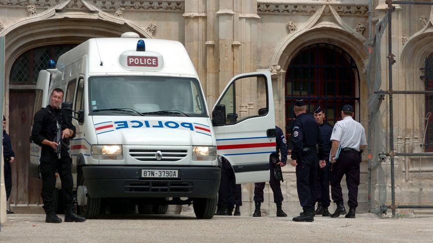 Les cinq prévenus vont comparaître devant la justice à Rouen ce 10 avril (image d'illustration)