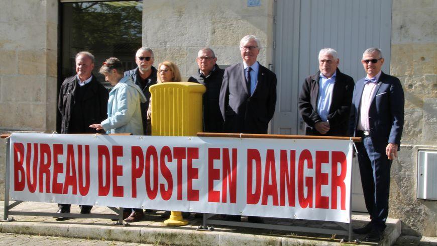 La municipalité de Corme-Royal s'est mobilisée pour son bureau de poste