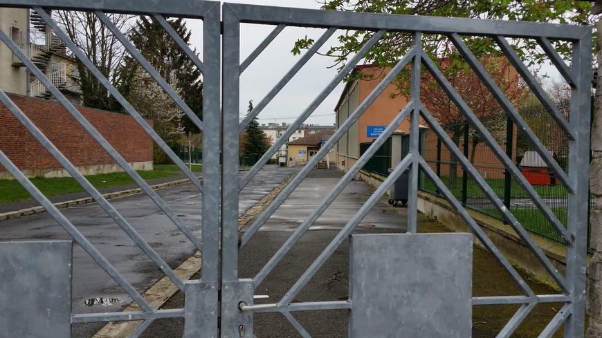 Un bâtiment du groupe scolaire Barthou a été loué à Espérance banlieues.