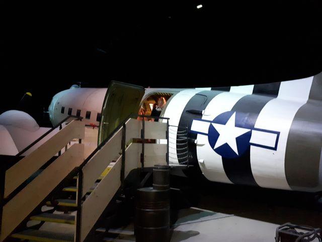 Ce véritable C47 qui a fait le débarquement est aujourd'hui un simulateur de vol très réaliste.