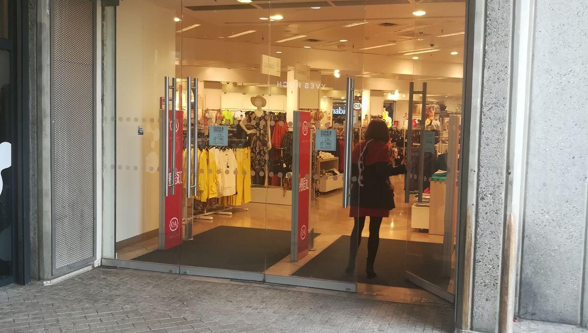 la vente de chaussures acheter mieux chaussures classiques A Clermont, l'avenir du C&A du centre Jaude est incertain