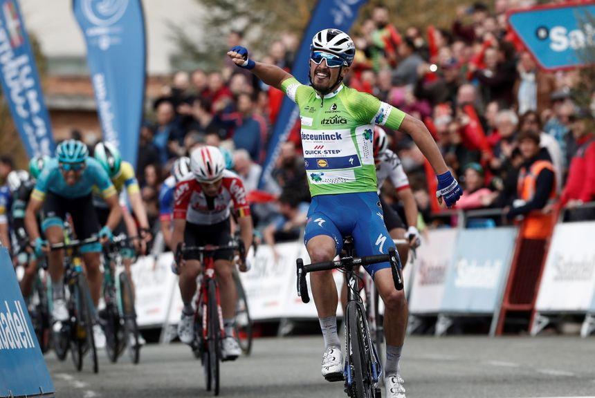 Après le bonheur de la victoire mardi, Alaphilippe a lourdement chuté sur le Tour du Pays basque