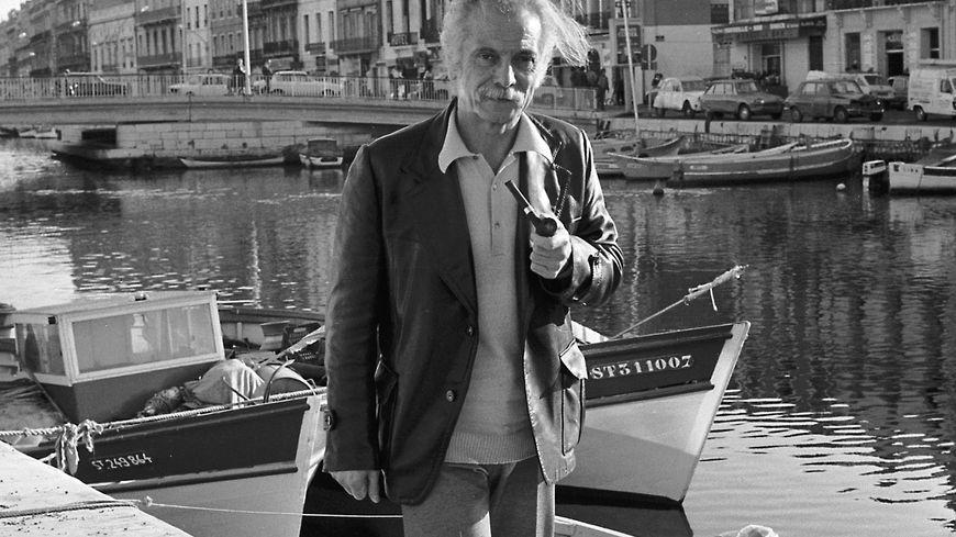 Georges Brassens , au bord  du Canal à Sète