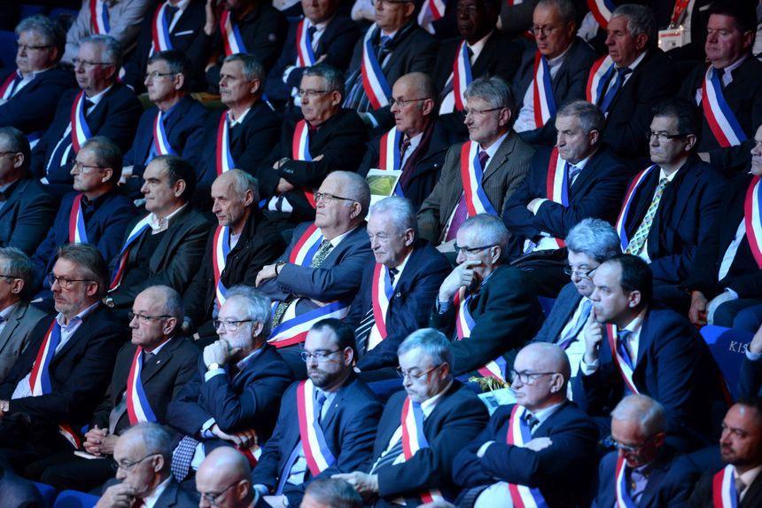 Plus de 600 maires ont assisté aux assises.