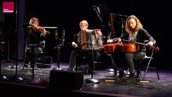 Silvia Tarozzi, Claire Bergerault et Deborah Walker à l'Alliance française