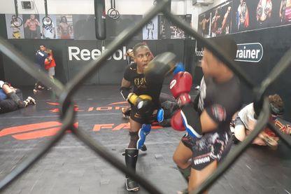 Séance d'entraînement au MMA Factory, à Paris