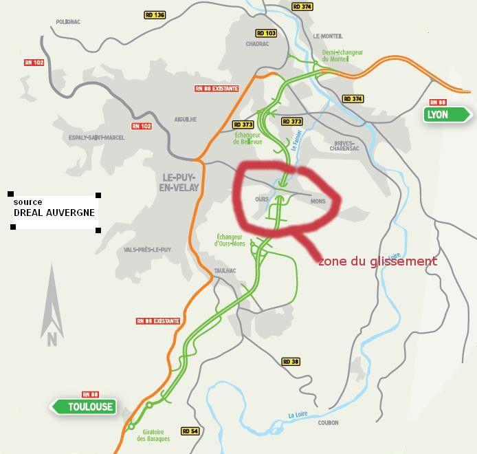 Zone du glissement de terrain de 2012 par rapport au tracé finale de la déviation
