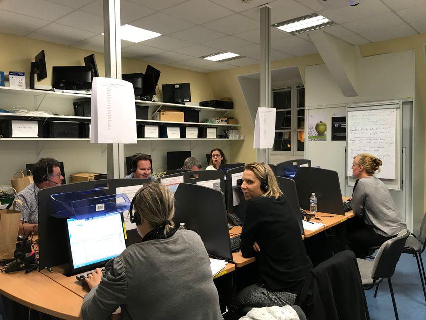 Pour cette simulation, le préfet de la Mayenne avait communiqué un numéro vert. Un service est dédié à ces appels.
