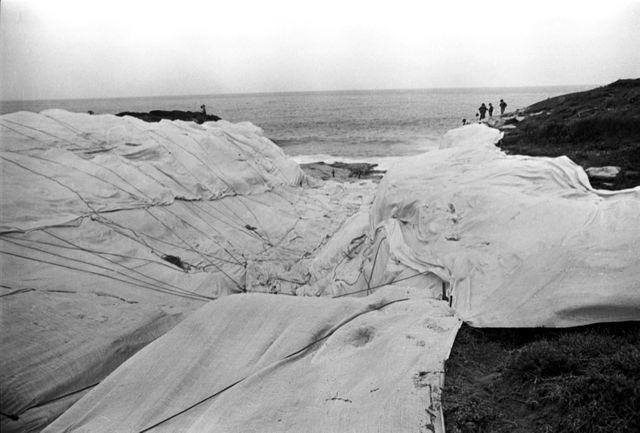 Toute une partie de la côte de Little Bay a été enveloppée