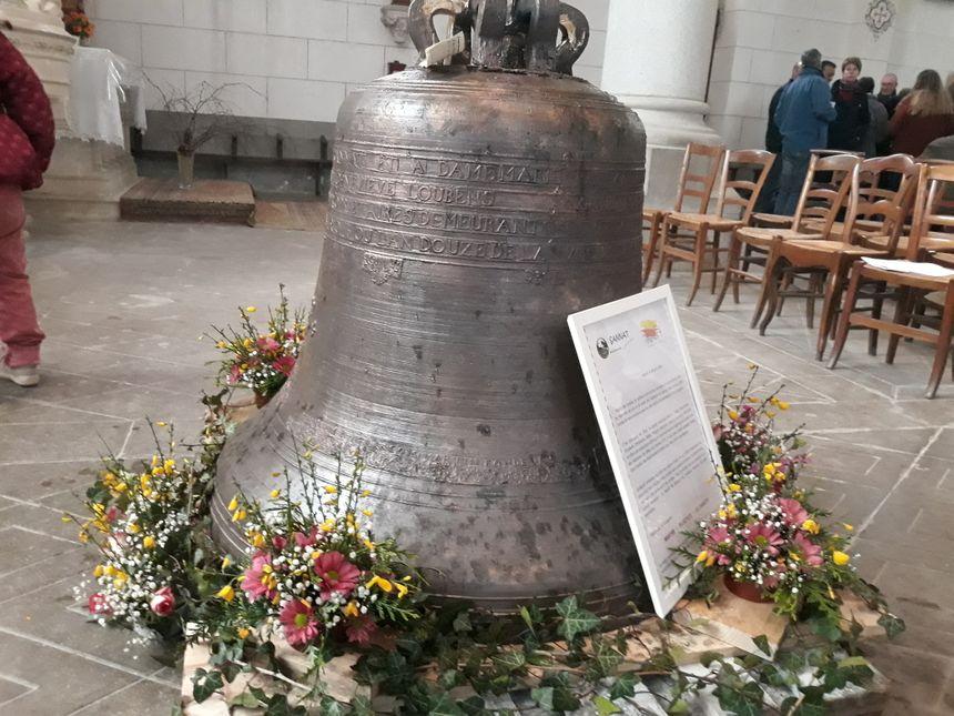 Cette cloche pèse près de 500 kilos et date de 1804.