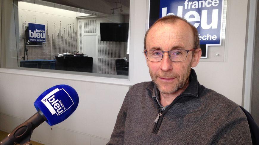Laurent Longa est l'un des organisateurs de cette conférence-débat et président de la section locale de l'Union sportive athlétique de Chabeuil.