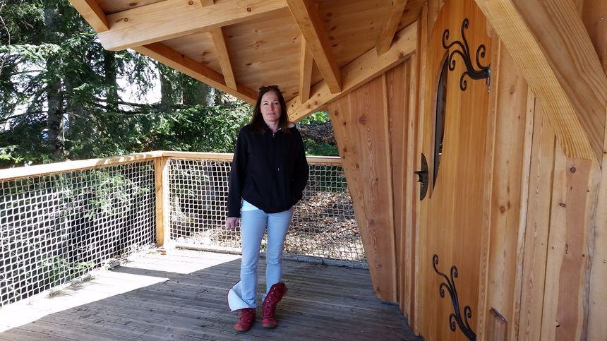 Cécile, l'une des créatrices des cabanes insolites de Chartreuse