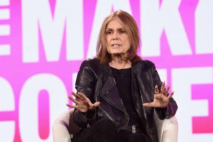 La journaliste et écrivaine Gloria Steinem pendant une conférence le 6 février 2019 à Dana Point, en Californie.
