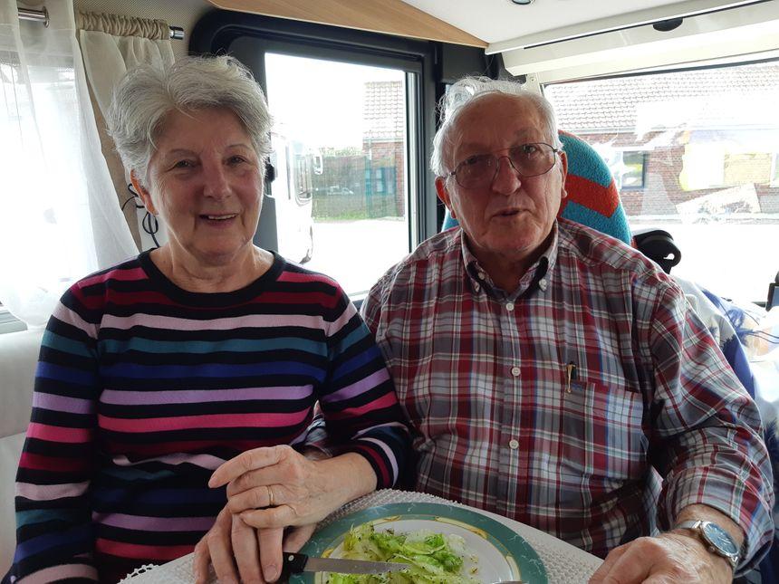 Chantal et denis, dans leur camping-car, sont venus de Chateaurenard (Bouches-du-Rhône)