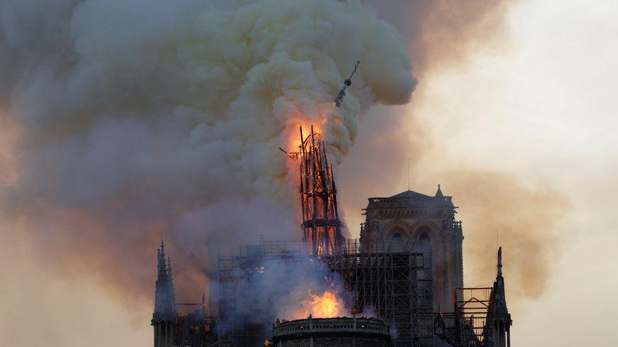 Effondrement de la flèche de la cathédrale Notre-Dame de Paris, le 15 avril 2019