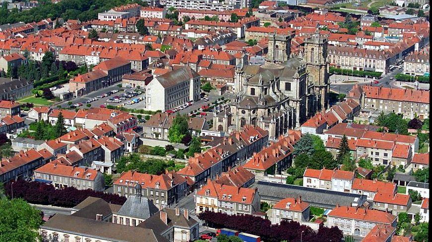 Vue aérienne de la ville de Vitry-le-François, département de la Marne.