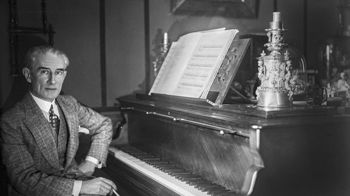 Maurice Ravel dans sa maison de Montfort-l'Amaury, Yvelines