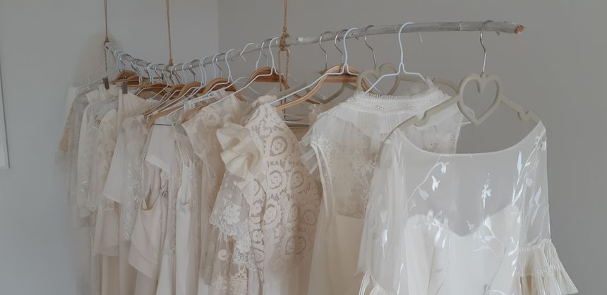 Chaque année Salomé Gautard crée une nouvelle collection de robes de mariée