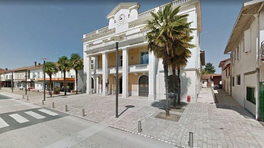 La mairie de Saint-Vincent de Tyrosse.