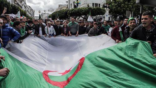 Algérie : de la peur à la contestation, les années Bouteflika