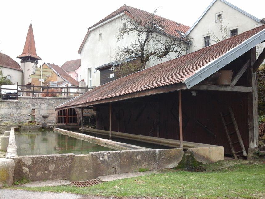 La fontaine de Pierrefontaine... lieu d'histoire et de vie !