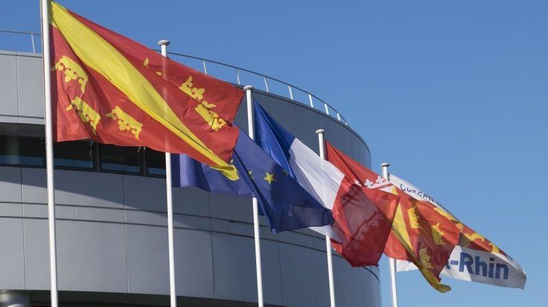Le drapeau du Haut-Rhin en finale face au Finistère