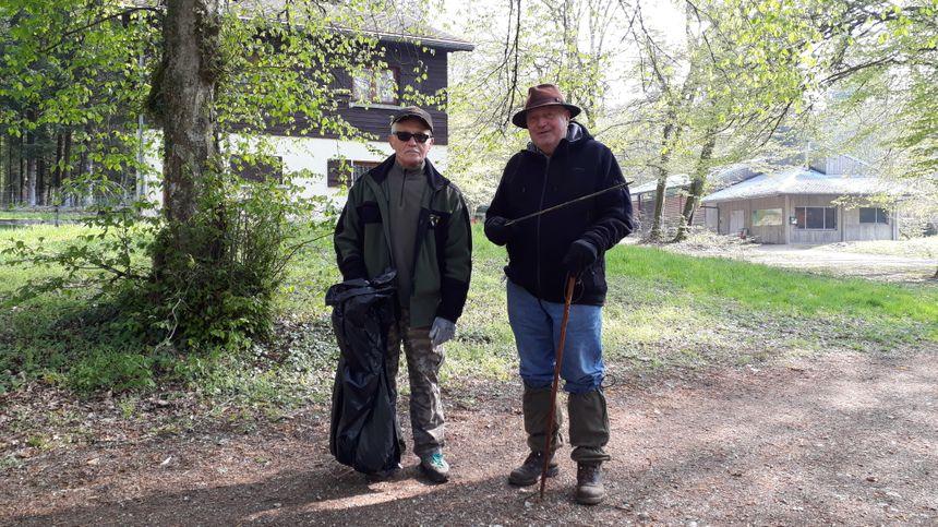 André et Pierre ont trouvé une flèche à proximité des Grandes Baraques
