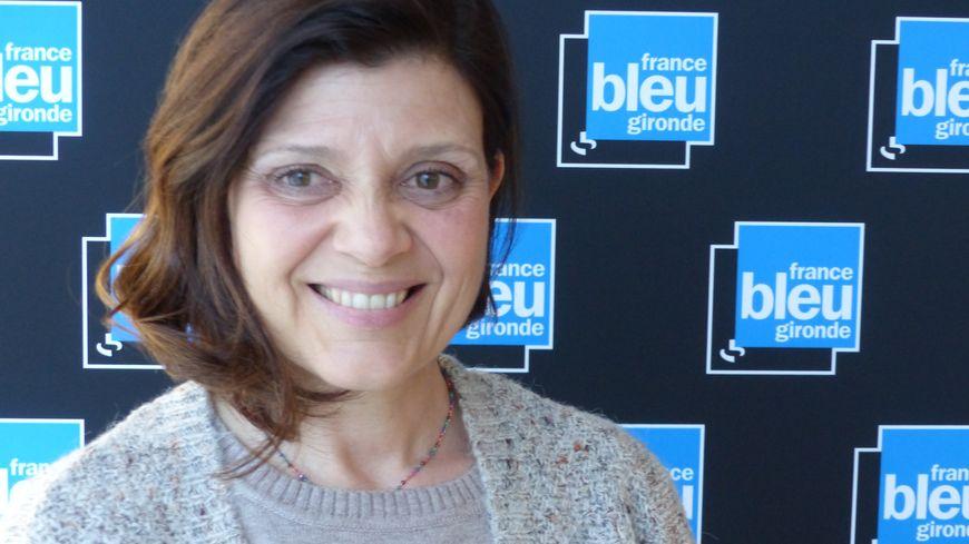 Paz Espejo dans le studio de France Bleu Gironde