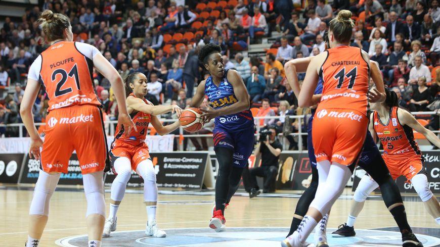 Le Tango Bourges Basket est au bord de l'élimination en championnat de France