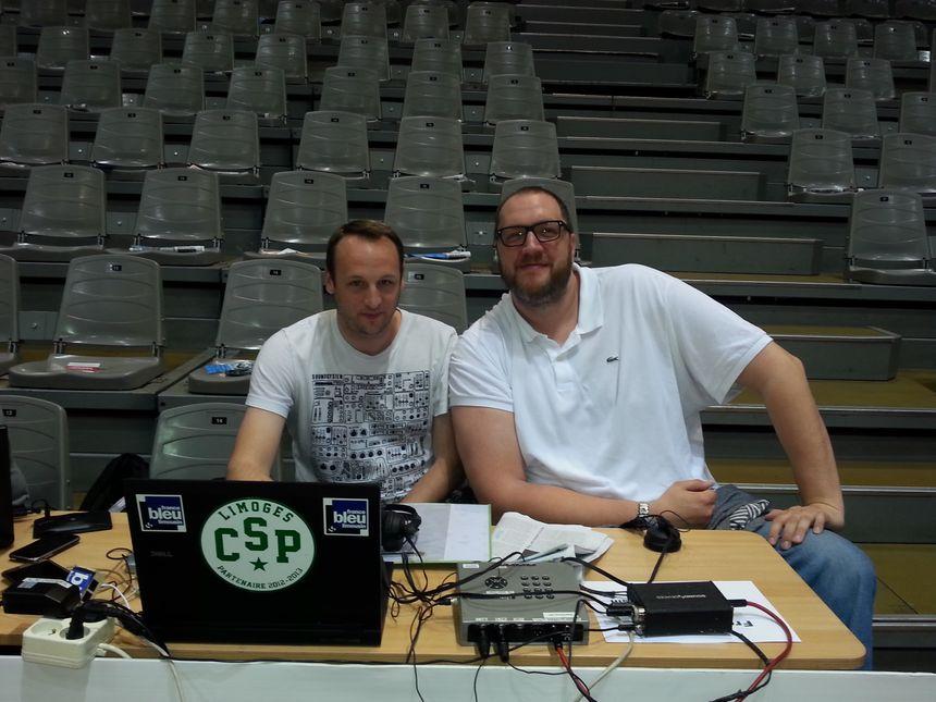 Frédéric Weis lorsqu'il était consultant basket sur France Bleu Limousin, avec Jérôme Ostermann