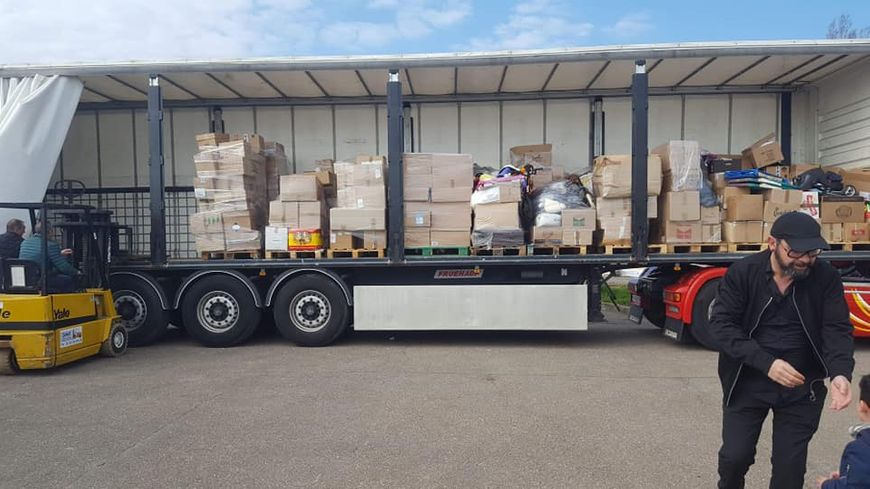 Le camion de 38 tonnes a mis cinq mois à se remplir de cartons de produits d'hygiène