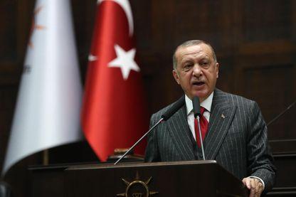 Le président turc a salué la décision de la commission électorale lors d'un discours devant les députés de son parti