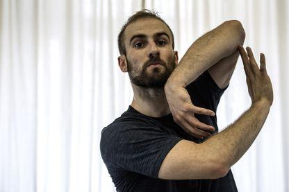 François Alu, premier danseur du Ballet de l'Opéra de Paris, à l'Opéra Garnier de Paris le 21 juin 2018.