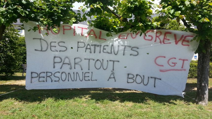 Le conflit va entrer dans sa troisième semaine à l'hôpital de Bourges
