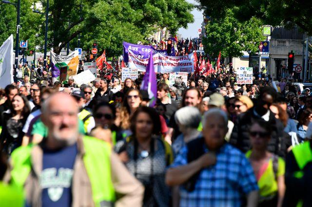 Entre 6 500 (préfecture) et 10 000 personnes (CGT) ont défilé dans les rues de Bordeaux