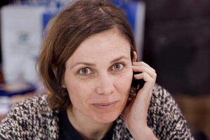 Portrait de Sigolène Vinson, ancienne avocate, actrice de théâtre et de cinéma, devenue romancière et chroniqueuse judiciaire pour Charlie Hebdo.