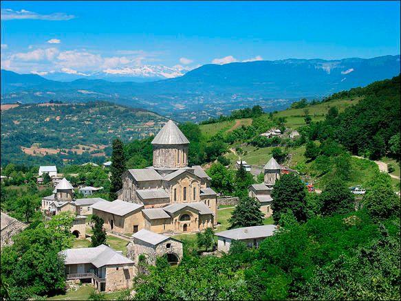 Le site de la cathédrale et du monastère de Ghélati en Géorgie