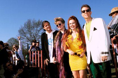 """Pour leur retour à quatre, 4 ans après la mort de Ricky Wilson, les B-52's frappent fort et connaissent leur premier tube mondial """"Love Shack"""""""