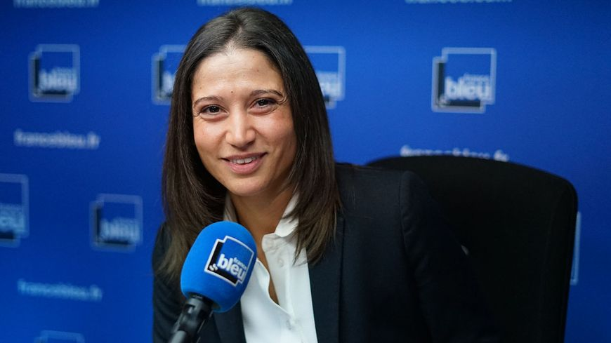 Nadia Benmokhtar, consultante France Bleu pour l'équipe de France de football