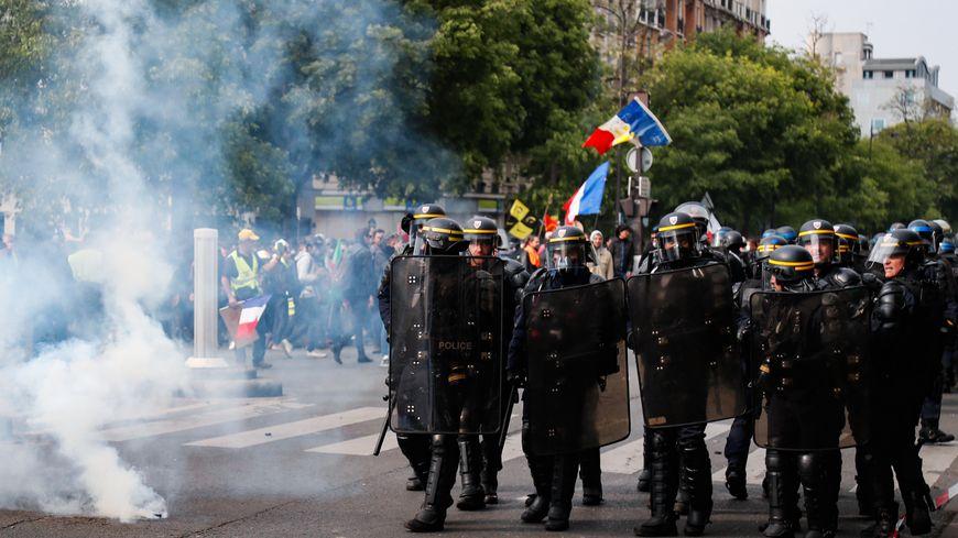 2b0b1e2d85a 1er-Mai - Entre 164.400 et 310.000 manifestants en France   des ...