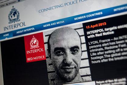 Notice rouge émise par Interpol en 2013, suite à l'évasion de Rédoine Faïd de la maison d'arrêt de Lille-Sequedin.