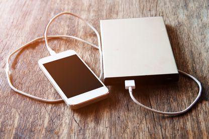 Le téléphone Energizer avec batterie géante intégrée faisait plus de deux centimètres d'épaisseur (illustration)